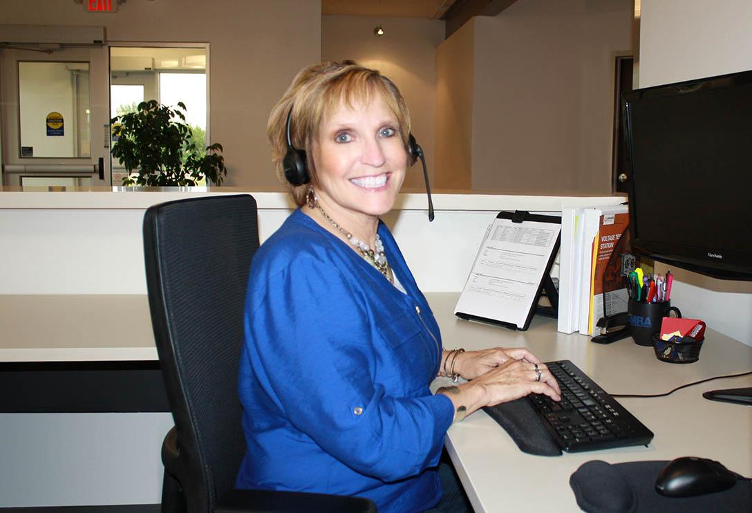 Customer Service_Edna